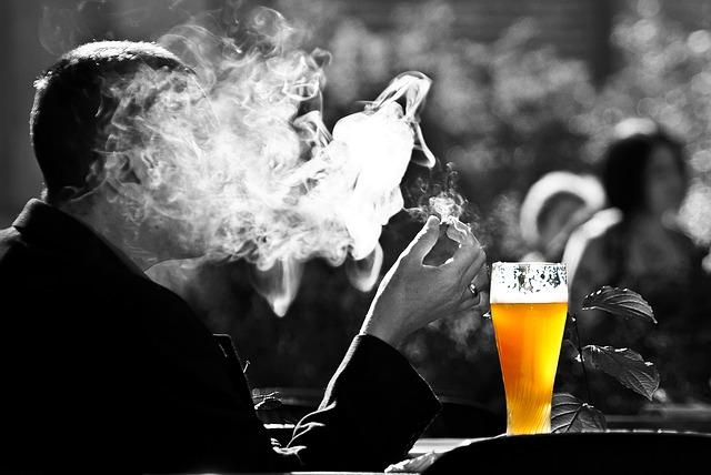 愛煙家にとっては辛い生活環境になってきましたね!!喫煙所について考察してみた!!