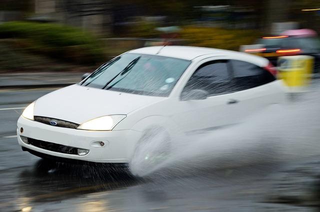 雨の中の運転