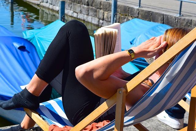 気分が晴れない時の対処法!睡眠と日光浴は大切です!