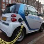 トヨタ自動車2025年度頃までに全車種を電動型EV・HV化への投資!